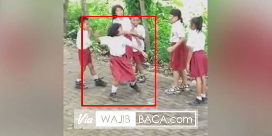 Miris Lihatnya! Anak SD Ini Tampari Teman-temannya Dengan Keras Sambil Bilang