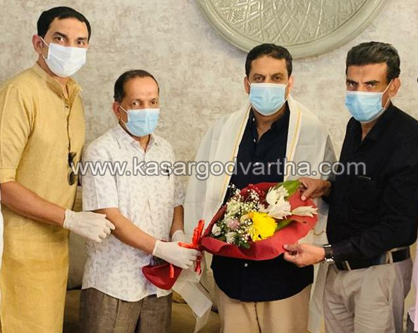Kerala, News, Gulf, nisar thalangara felicitated