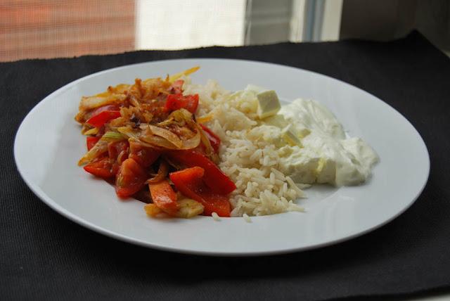 Gemüse mit Reis, Feta und Knoblauchsauce | pastasciutta