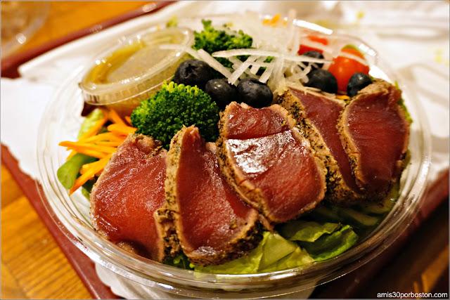 Tuna Tataki Salad de Takahachi Bakery, Nueva York