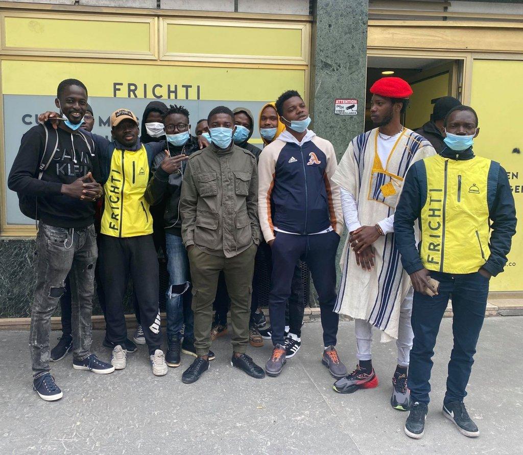 """France : la moitié des migrants sans-papiers travaillant chez """" Frichti """" vont être régularisés"""