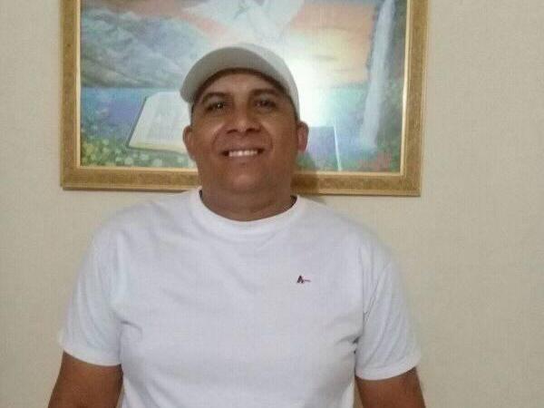 Professor mata funcionário da Câmara Municipal a tiros em restaurante de Santa Quitéria