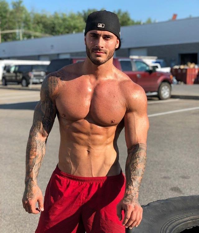 hot-shirtless-fit-beach-bro-sexy-af