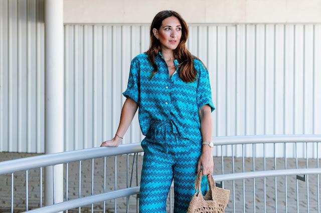 Fashion South con conjunto zig zag en color turquesa de Zara.
