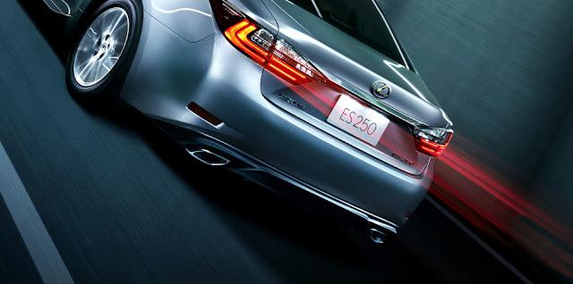 features l shaped rear lights -  - Đánh giá sedan hạng sang Lexus ES 250 2016 : Tinh hoa của sự sang trọng
