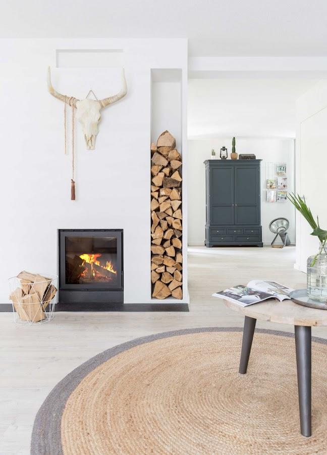 salon estilo nordico, chimenea, boho, decoracion nordica, madera, armario, cabinet,