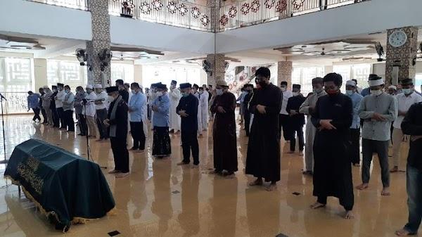 Tiba di Daarul Quran, Jenazah Ustadz Maaher Disalatkan di Majid An-Nabawi
