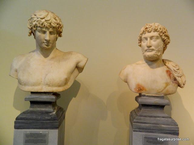 Esculturas do período clássico no Museu Nacional de Arqueologia de Atenas, Grécia