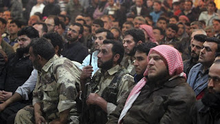 Pejuang Idlib Mobilisasi Pasukan ke Garis Kontak dengan Militer Rezim Syiah Nushairiyah