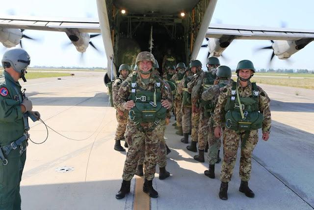 Allievi Marescialli Esercito corso lancio paracadute