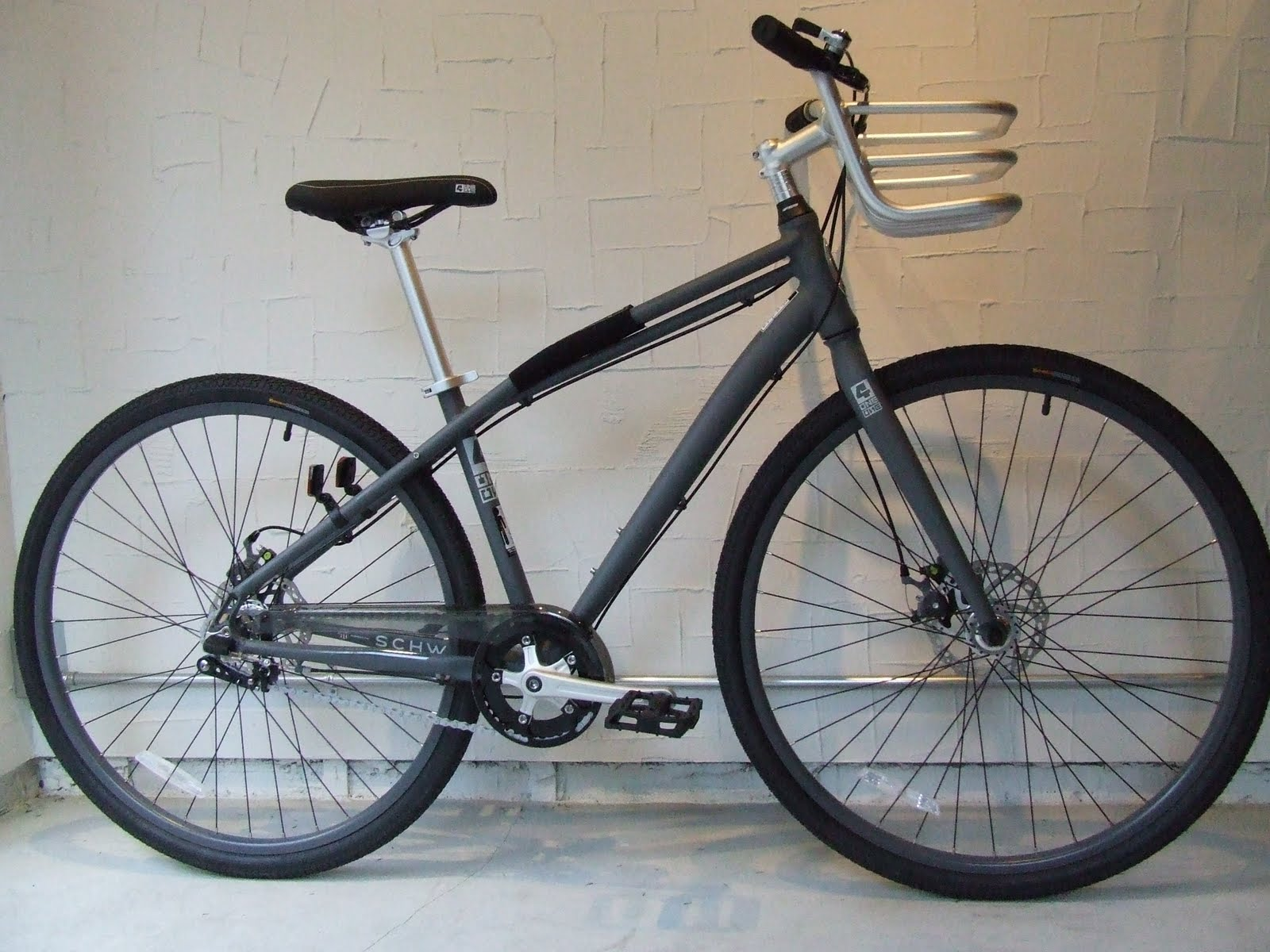4294a35fbad avelo Bicycle shop: SCHWINN シュウイン コミューターバイク 411 IG5 SALE