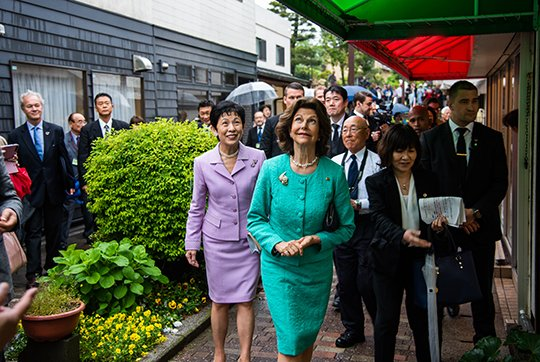 King Carl XVI Gustaf, Queen Silvia, Prime Minister Shinzo Abe and his wife Akie Abe at Akasaka Palace. Queen Silvia and Japanese Princess Takamado