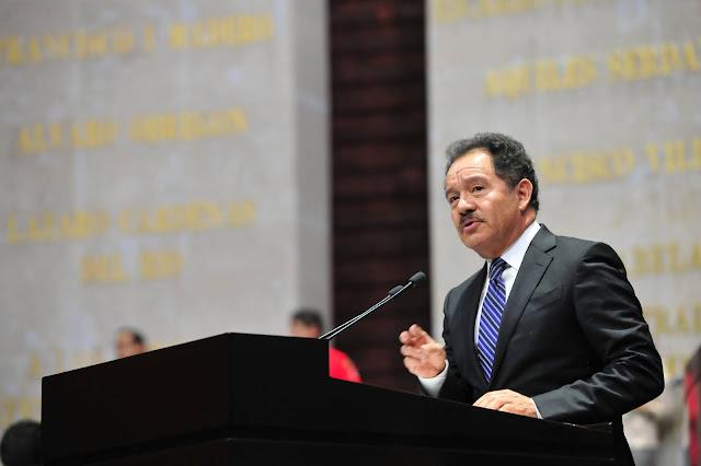 Morena impulsará, en sus términos, la iniciativa del Ejecutivo que reforma la Ley de la Industria Eléctrica: Ignacio Mier