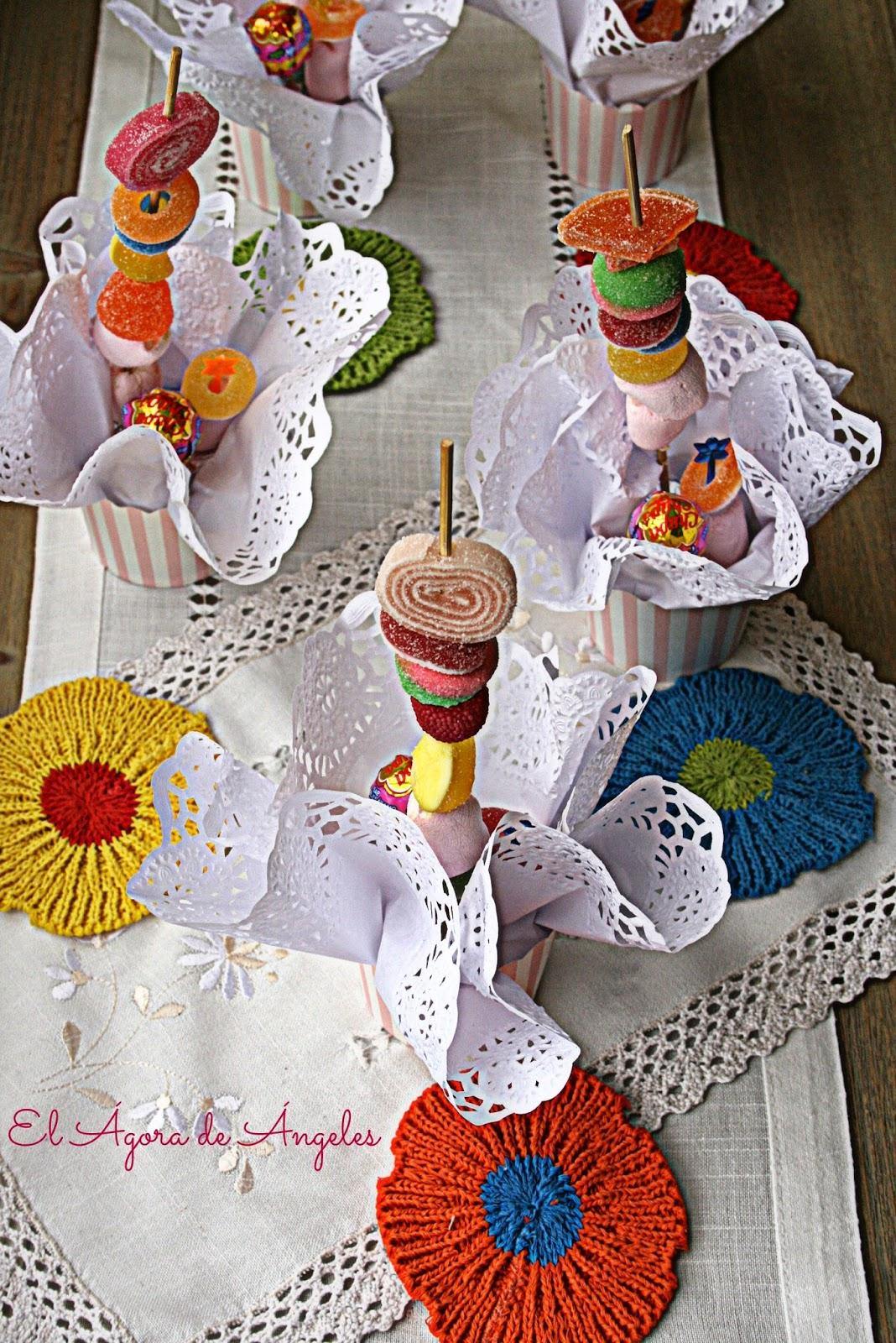 brochetas de chuches,cumpleaños,fiestas infantiles, mesas dulces