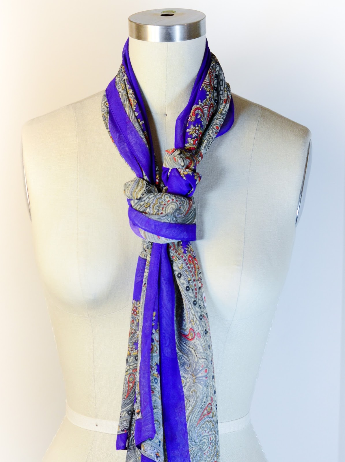 Cute and Different Ways To Tie Scarves Around Neck