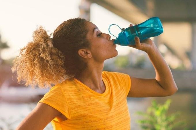 Giữ cơ thể khỏe mạnh suốt hè bằng cách uống nước đơn giản này!