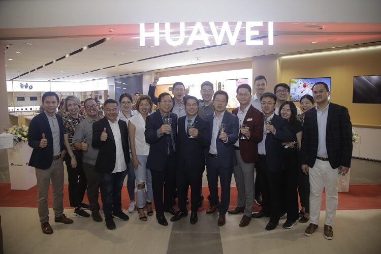 Huawei Opens New High-End Experience Store at Ayala Malls Manila Bay