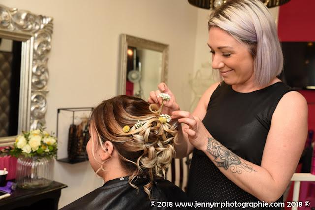 photo coiffure de la mariée, reportage chez le coiffeur