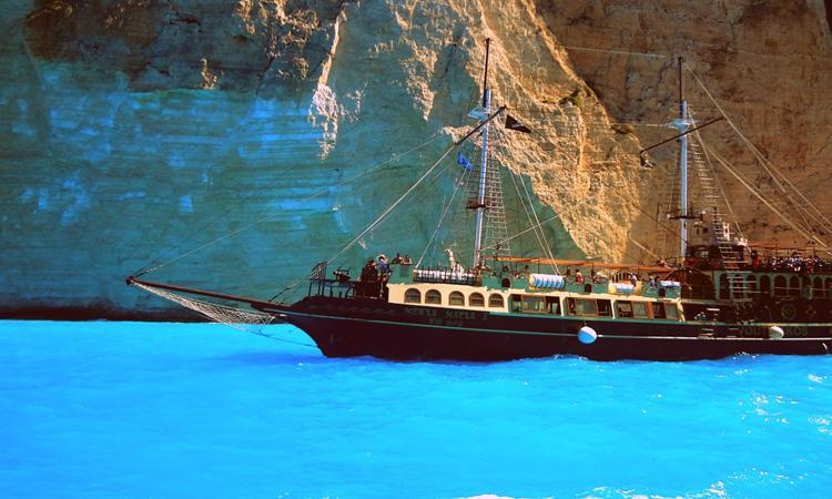 An amuzing boat trip in Zante, Greece
