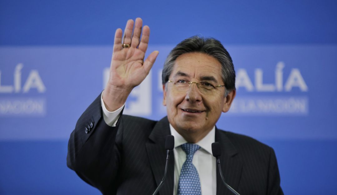 Exfiscal Martínez, nuevamente señalado de obstaculizar el acuerdo de paz