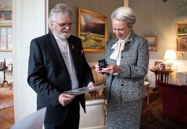 Danish Princess Benedikte received the Peace Light 2018 and the Silver Lapel Pin. Sct. Georgs Gilderne (St. George Guild - former Scouts)