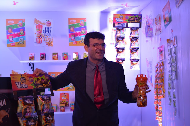 Mr. Piruz Khambatta, Chairman & MD Rasna unveiling the new ad campaign