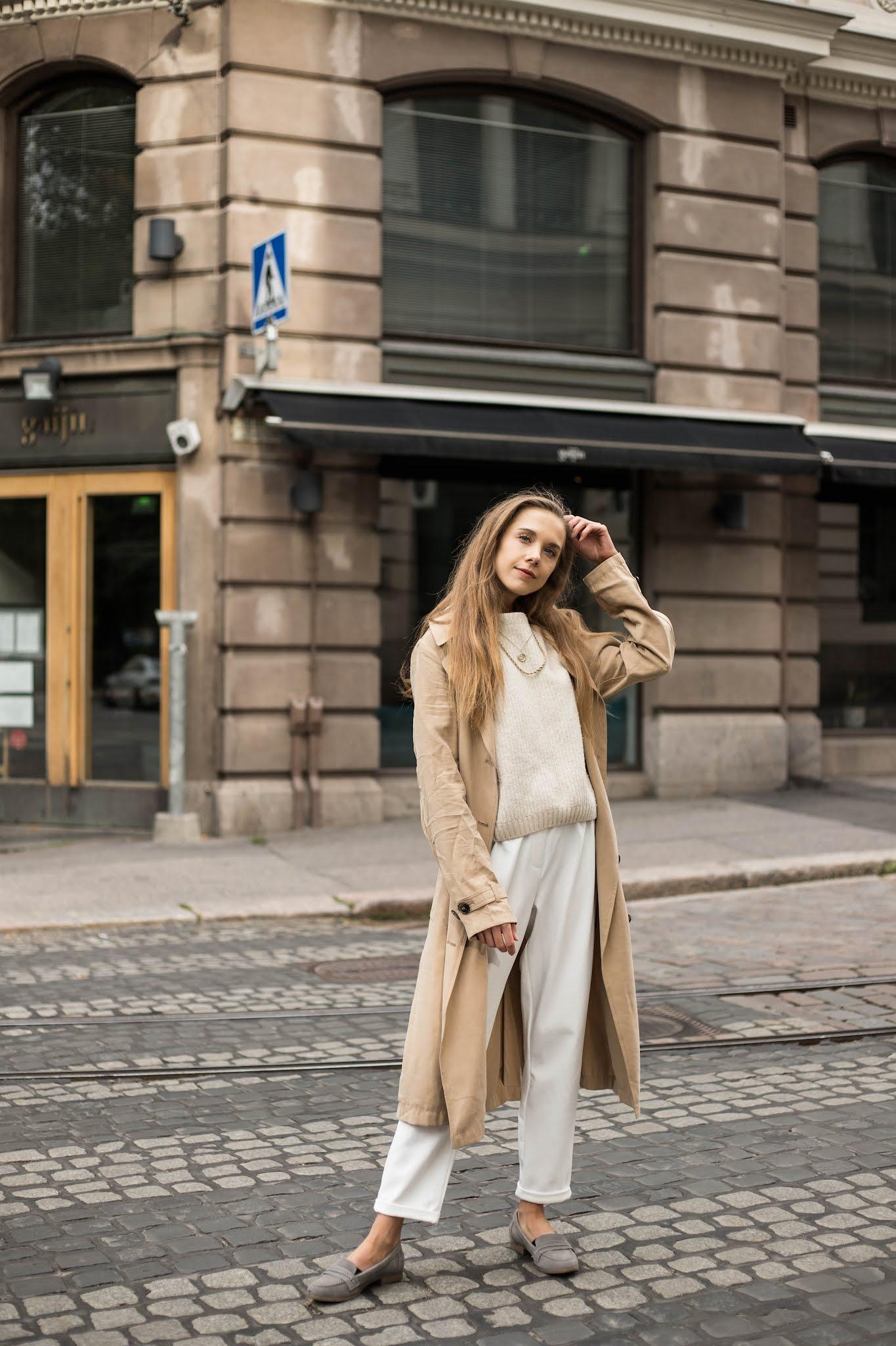 Beige asukokonaisuus syksyyn // Beige outfit for autumn
