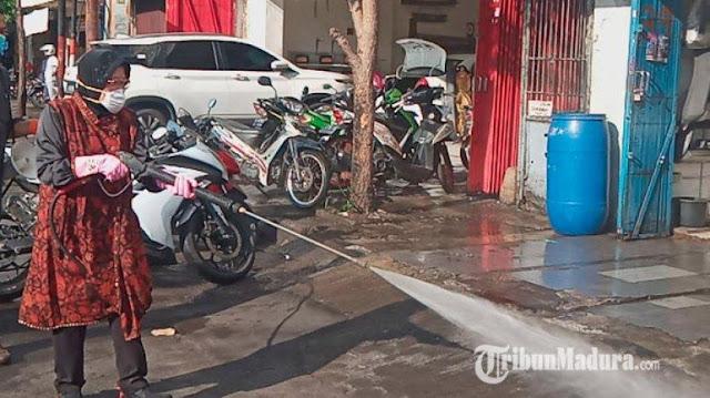 Penyemprotan Disinfektan Marak di Jalanan RI, Dinilai Konyol oleh WHO
