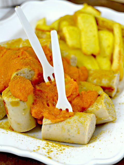 Currywurst. Receta de salchichas alemanas al curry.