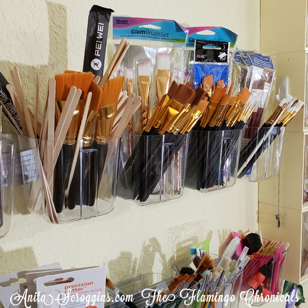 Organized paint brushes