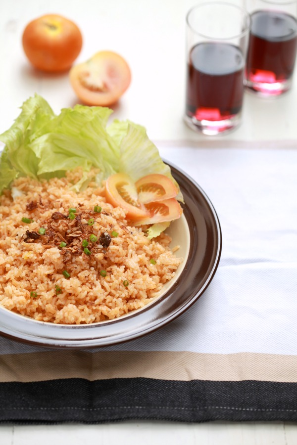 Nasi Tomato dan Ayam Masak Merah - masam manis