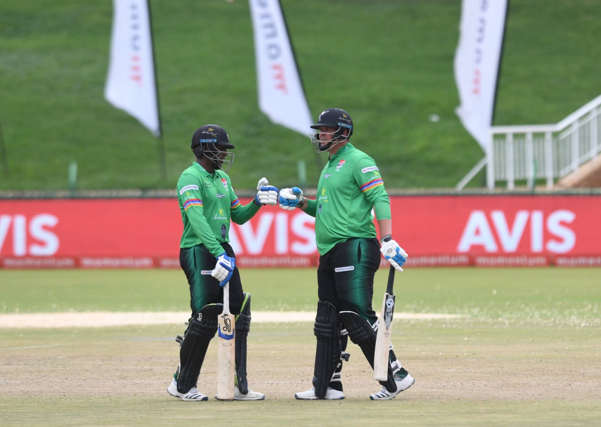 Frylinck & Muthusamy heroics guide Dolphins to MODC final