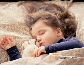 obat nyamuk  menghindarkan anak digigit nyamuk saat tertidur