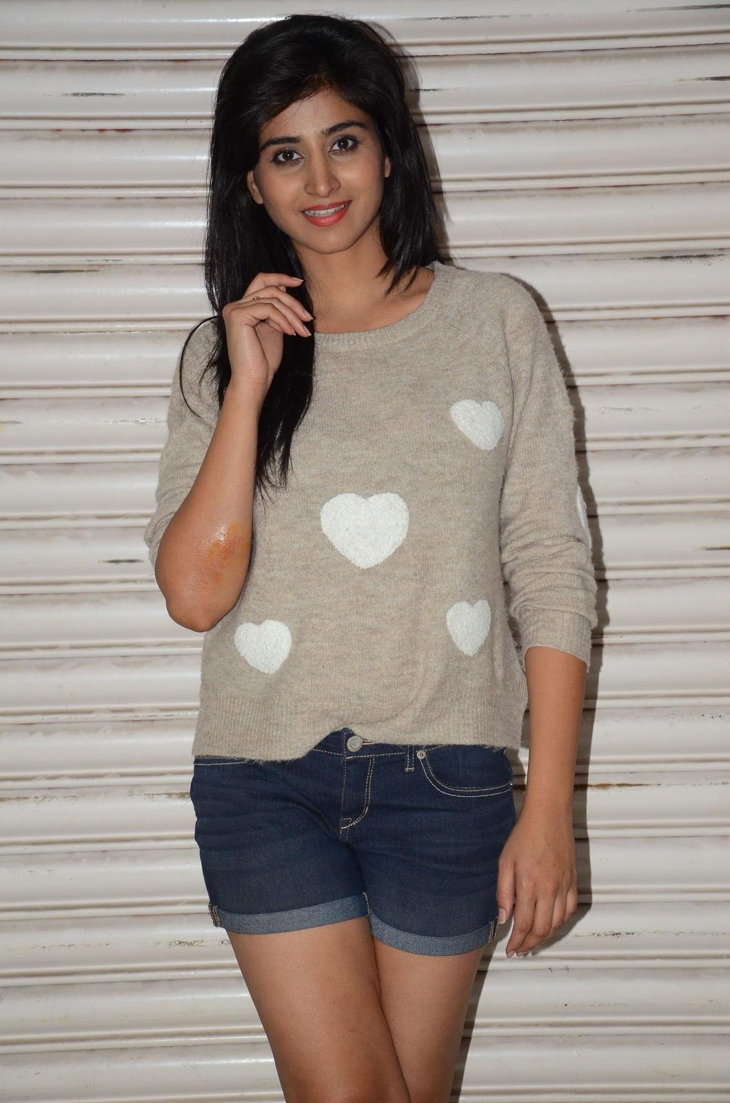 Shamili new cute photos gallery-HQ-Photo-15