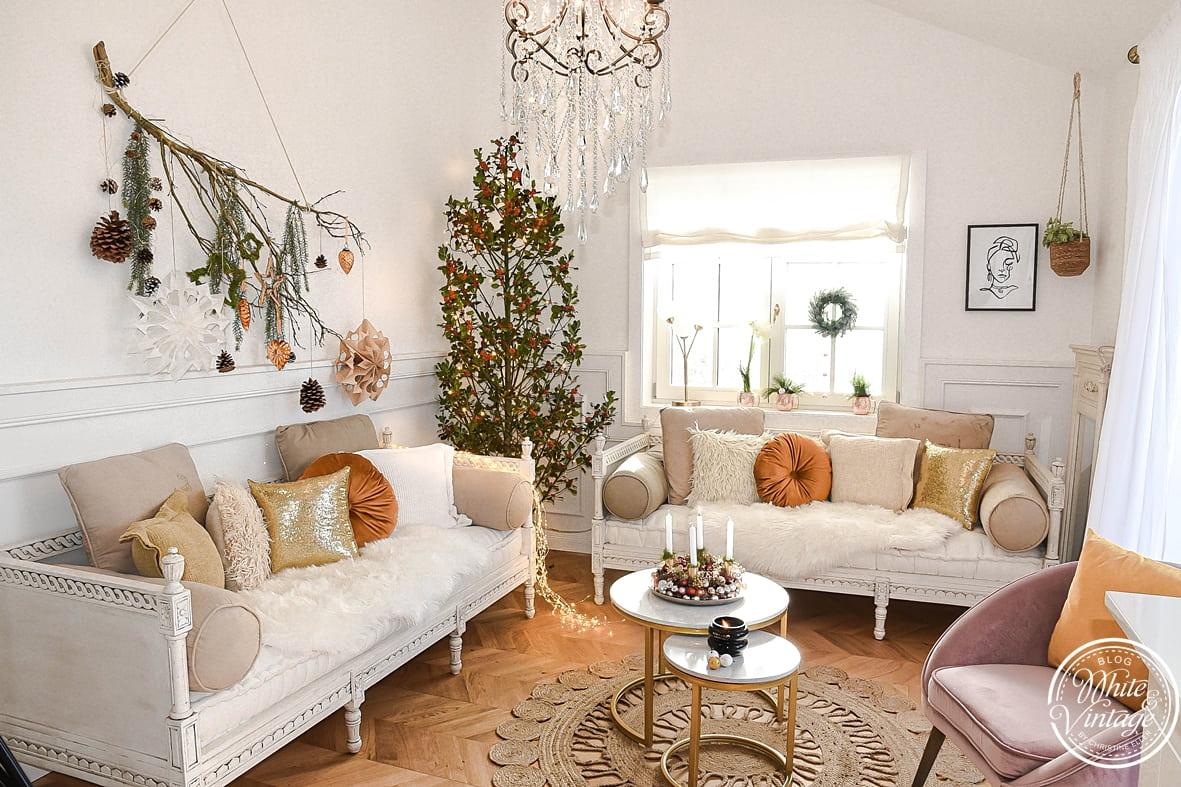 Weihnachtsdekoideen in natürlichen, warmen Farbtönen.
