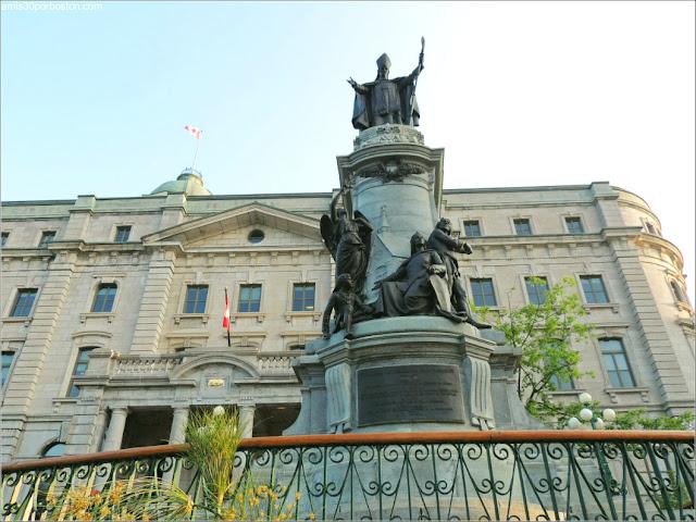 Estatua de Francisco de Laval en la Ciudad de Quebec