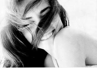 Resultado de imagem para sorriso de mulher