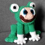 https://crochetglobalhypermeganet.wordpress.com/2017/10/03/mario-et-son-costume-grenouille/