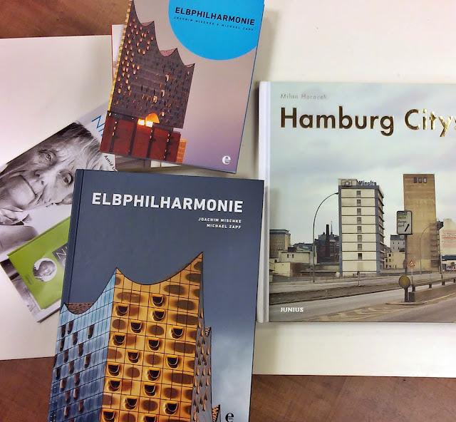 Buch über die Elbphilharmonie in Hamburg