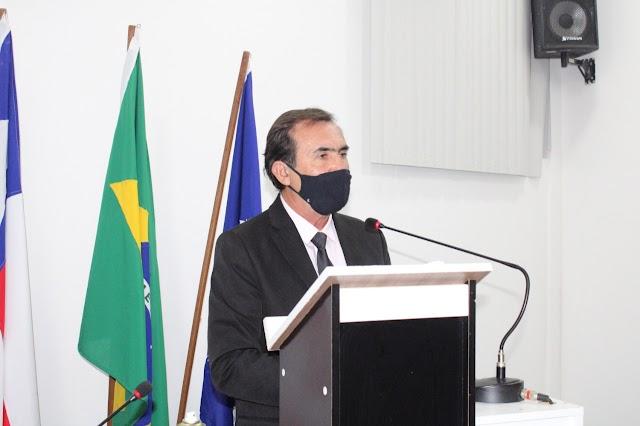 Vereador Prof. Ednilson denuncia negligência da ex-secretária de saúde de Inhambupe