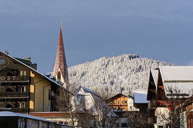 Day trips from Innsbruck for Christmas: Seefeld town