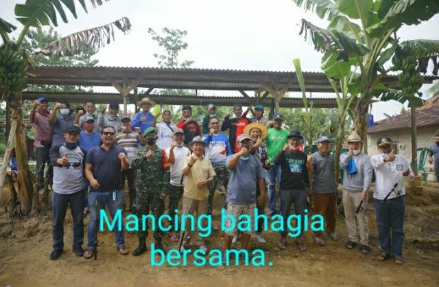 Mengisi Waktu Cuti Libur Bersama Wakil Bupati Tubaba Fauzi Hasan Ikut Mancing Bersama Di Way Kenanga