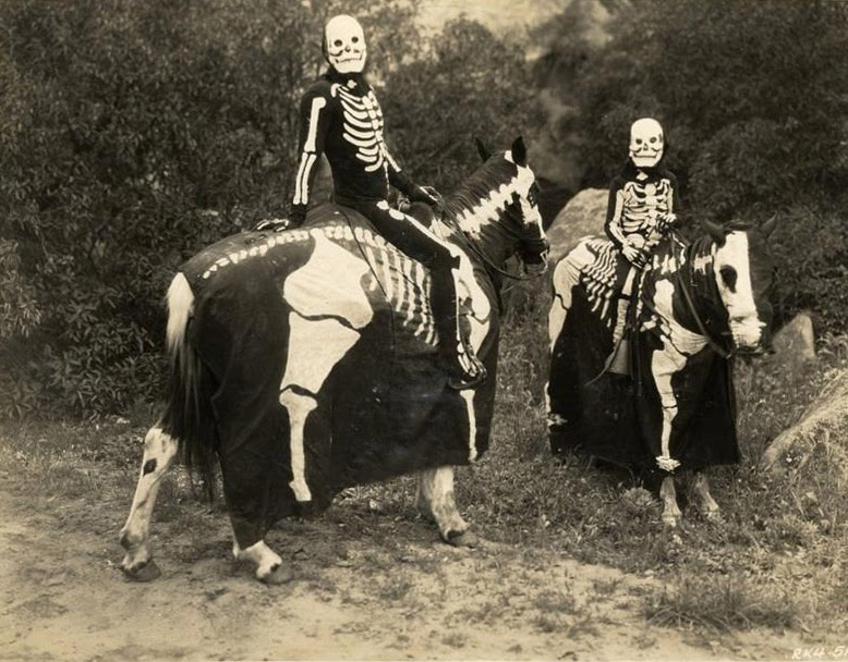 ... 1920s halloween costume the halloween ... & Halloween 1930 Costumes - The Halloween