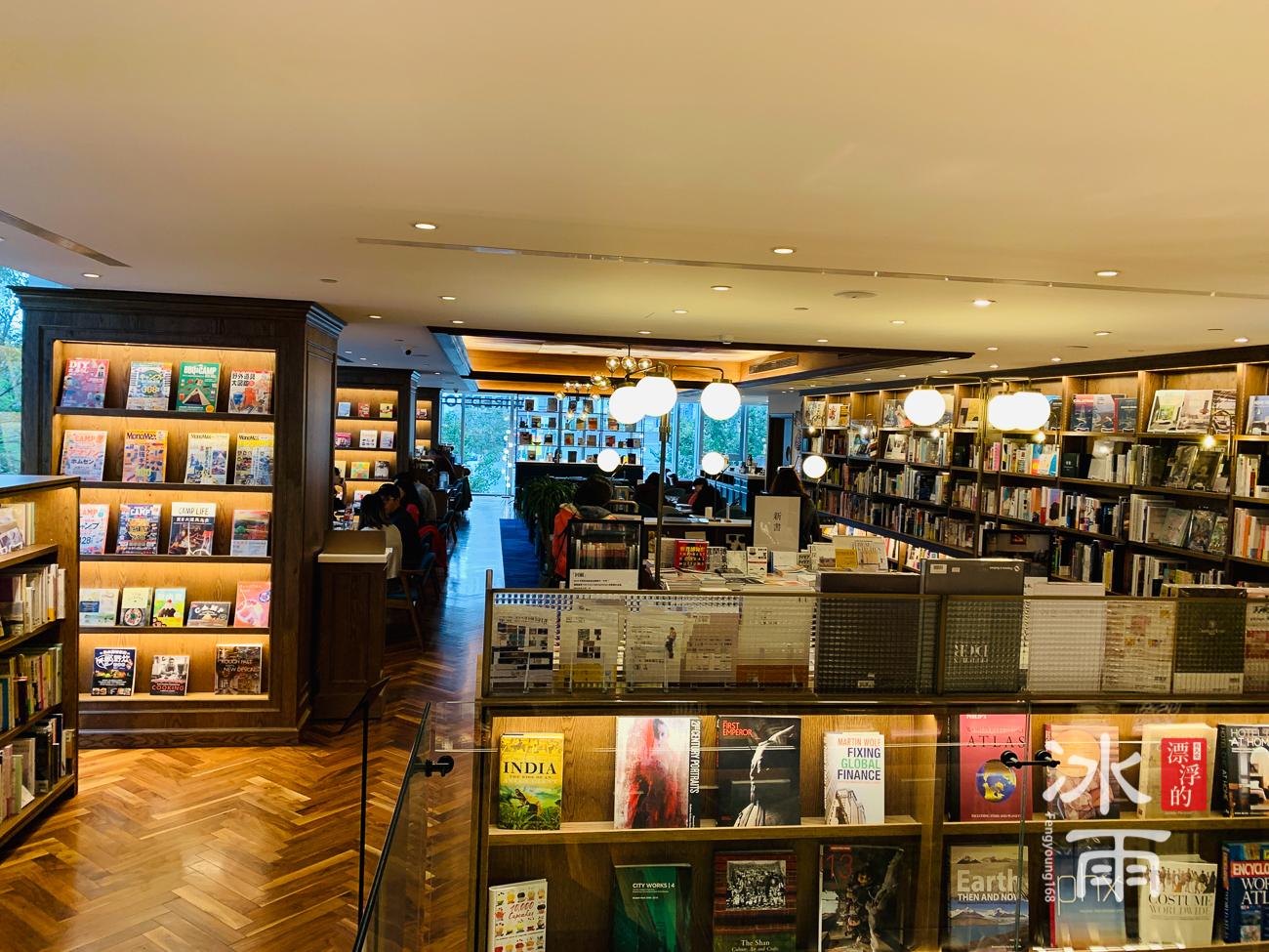 蔦屋書店松山店二樓有線茶屋餐廳照片