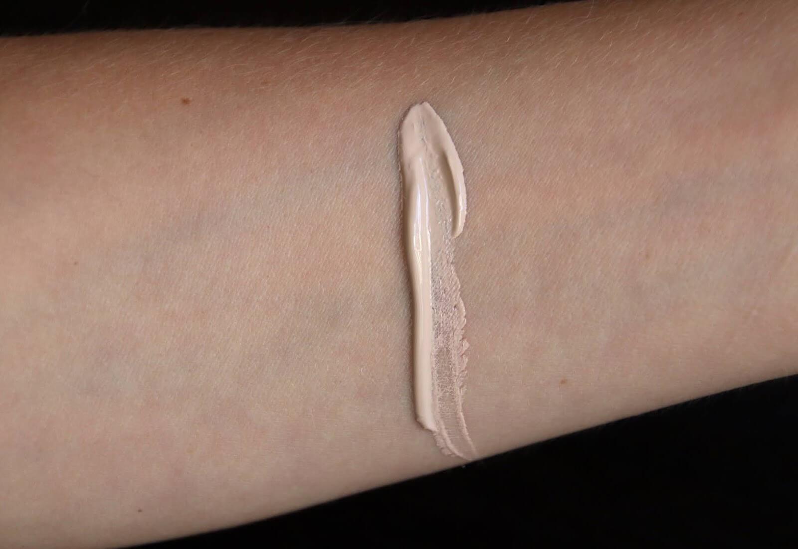 Madara Fond de Teint Skin Equal 10 porcelain swatch