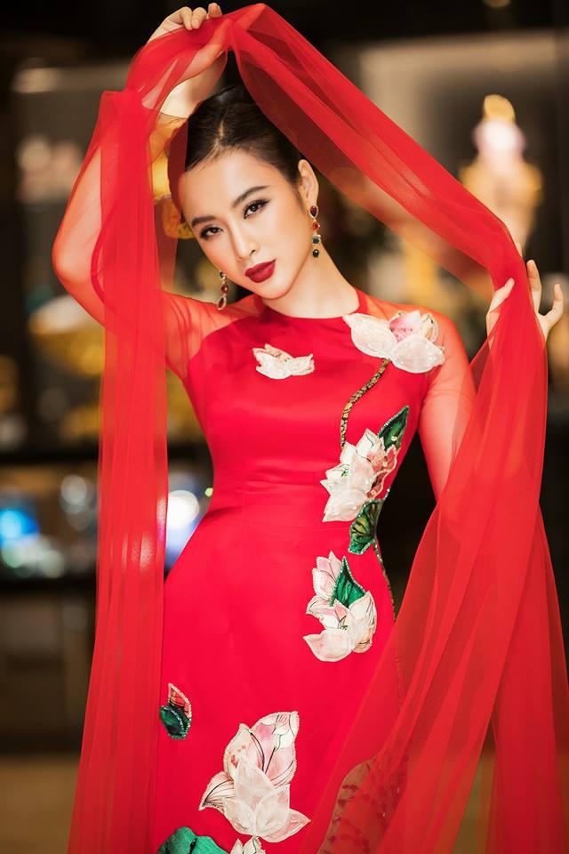 Angela Phuong Trinh - vietnamese lady lovely witdh ao dai