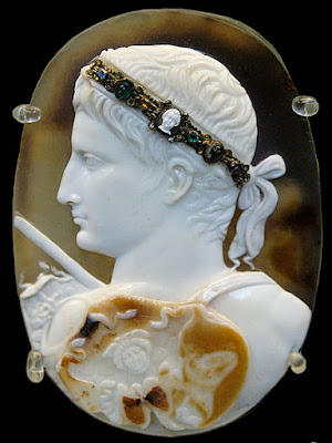 Portrait of Emperor Augustus wearing a gorgoneion and a sword-belt. Three-layered sardonyx cameo, Roman artwork, ca. 14-20 AD