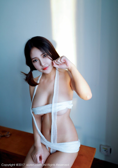 Hot and sexy big boobs braless photos of beautiful busty asian hottie chick Chinese booty model Xiao Mo Nu Nai Nai photo highlights on Pinays Finest sexy nude photo collection site.