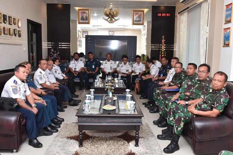 Danlantamal IV Terima  Kunjungan  Kerja Direktur KPLP Ditjen Hubla