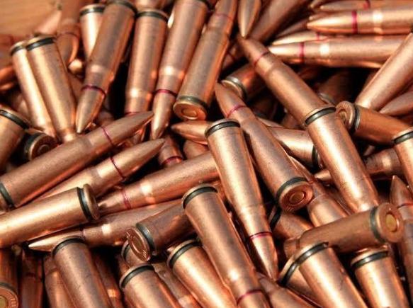 الرصاص بمطار أكادير المسيرة